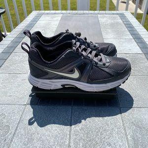 Nike Dart 9 Athletic Shoes